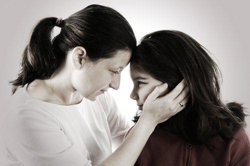 Con gái mẹ bây giờ đã thành thiếu nữ, con đã lớn và đã thay đổi nhiều.