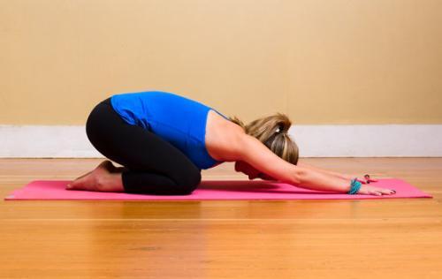 7 bai tap yoga don gian de ban tap hang ngay
