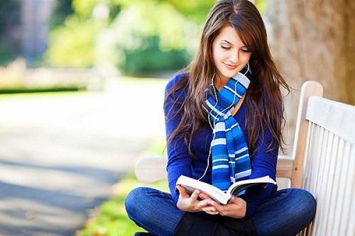 Từng trang sách mở ra là mọi thứ lại thay đổi khiến cho trí tưởng tượng...