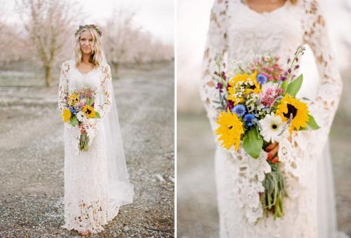 Váy cưới boho với kiểu dáng bồng bềnh, dài thướt tha.