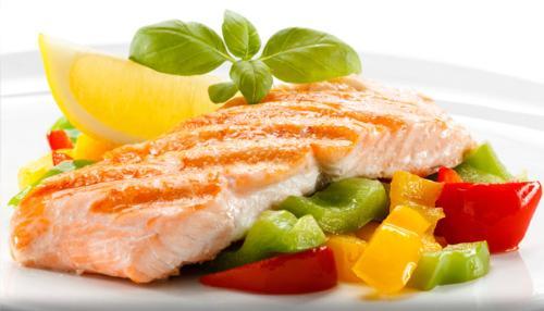Cá hồi là một trong những thực phẩm giúp cơ thể đốt cháy mỡ thừa