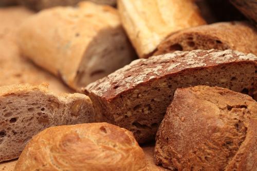 Bánh mì là một trong những thực phẩm gây tăng cân