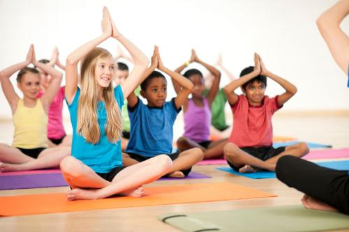 Tre em va yoga - loi ich bat tan