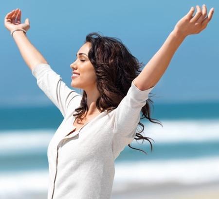Bạn hãy refresh lại bản thân bằng cách đi du lịch để thấy cuộc đời tươi đẹp và đáng sống.