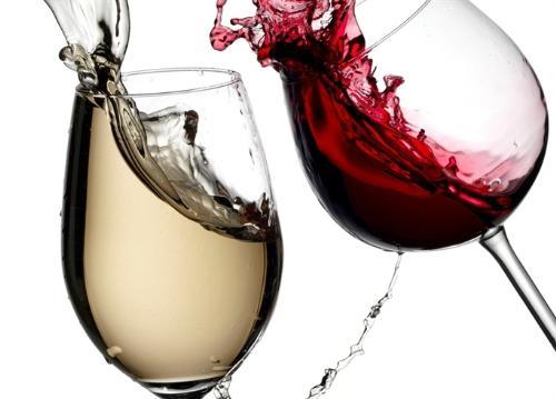 Rượu làm cơ thể mất nước.