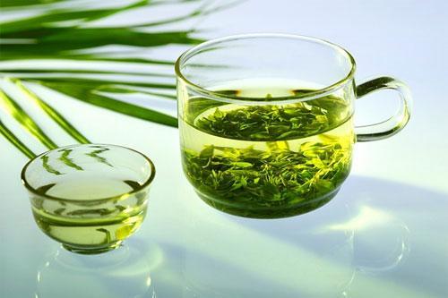 Trà xanh rất giàu chất chống oxy hóa, mang lại nhiều lợi ích cho sức khỏe