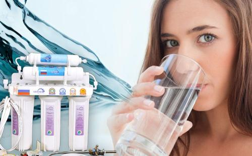 Bình lọc nước công nghệ nano. (Ảnh minh họa)