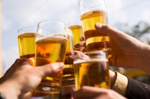 Rượu, bia gây ra nhiều tác hại cho sức khỏe và hủy hoại các cơ quan trong cơ thể.