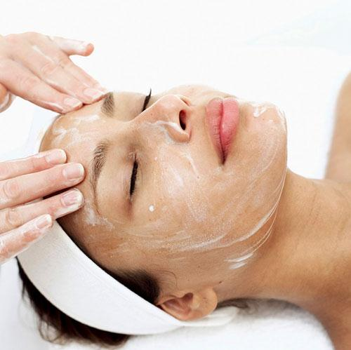 Massage giup khuon mat thon gon