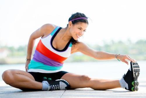 Cần khởi động cẩn thận trước khi tập thể dục để tránh tổn hại đến các khớp xương.