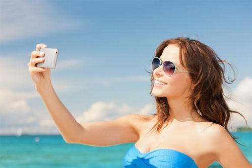 Phụ nữ da sáng, tóc nâu đỏ hoặc vàng rất dễ bị ung thư da.