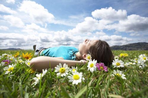 Cần gạt bỏ những căng thẳng, chỉ tập trung cảm nhận sự vật bằng tất cả giác quan.
