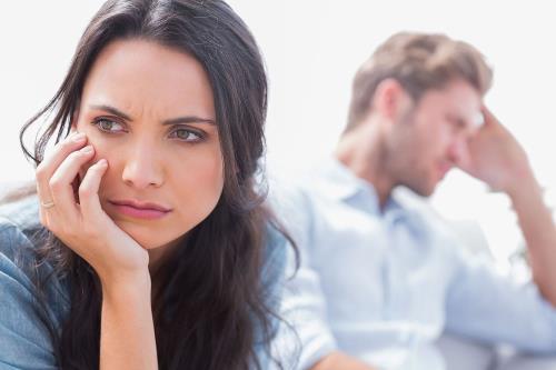 Khi hai vợ chồng giận nhau, đừng làm những việc dại dột như bực bội, giận cá chém thớt, nghĩ ngợi sâu xa...