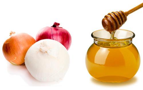 Hành tây và mật ong là sự kết hợp tuyệt vời để có một hàng lông mày dày đẹp.