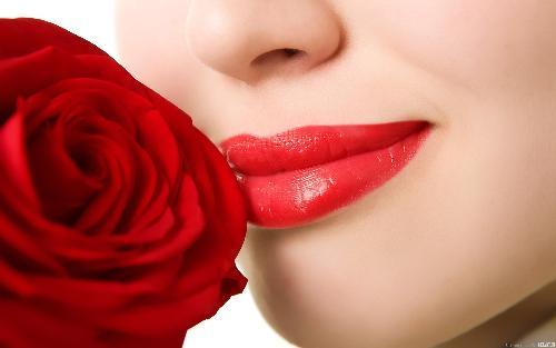 Sở hữu một đôi môi căng mọng và gợi cảm không khó.