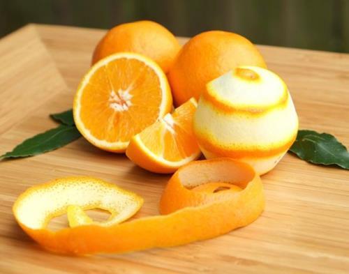 Tinh dầu trong vỏ cam, quýt cò nhiều tác dụng đối với sức khoẻ.