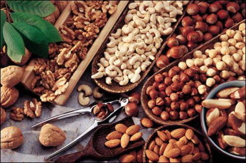 Giam cholesterol trong mau chi bang an uong