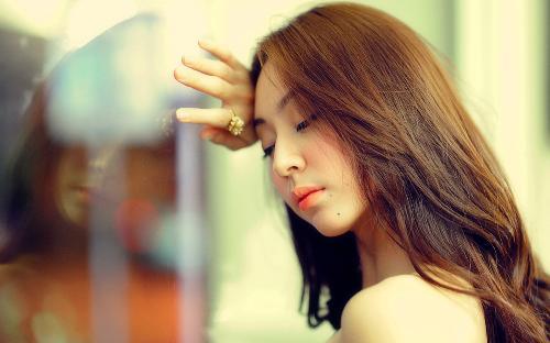 5 dau hieu canh bao co the ban dang thieu hut collagen