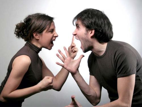 Vợ chồng thỉnh thoảng cãi nhau là chuyện bình thường. (Ảnh minh họa)
