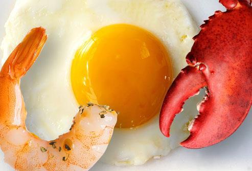 Trứng và hải sản không làm tăng cholesterol