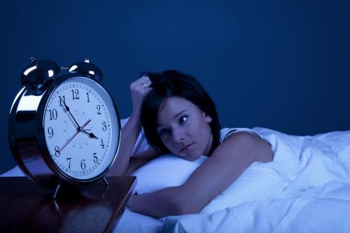 Uống nhiều nước sẽ làm bạn mất ngủ dẫn đấn tăng cân