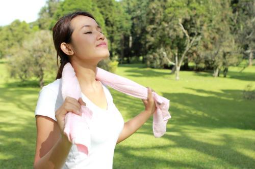 Nên kết hợp ăn kiêng với tập thể dục đều đặn