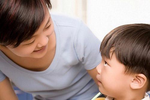 Đừng bao giờ mắng chửi con mình là người ngu ngốc. (Ảnh minh họa)