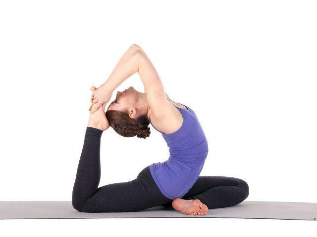 4 bai tap yoga giup giam mo bung duoi nhanh chong