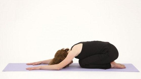 5dong tac yoga ngan ngua thoai hoa cot song