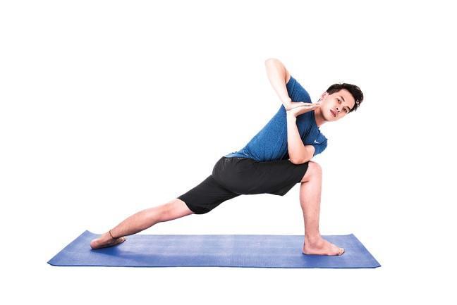 Nam gioi tap yoga co tac dung gi?