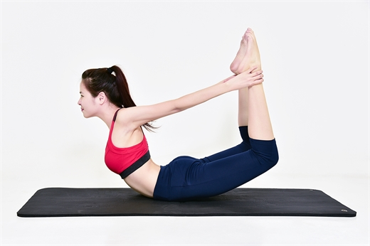 Bi kip giam can than ki voi 9 dong tac yoga don gian