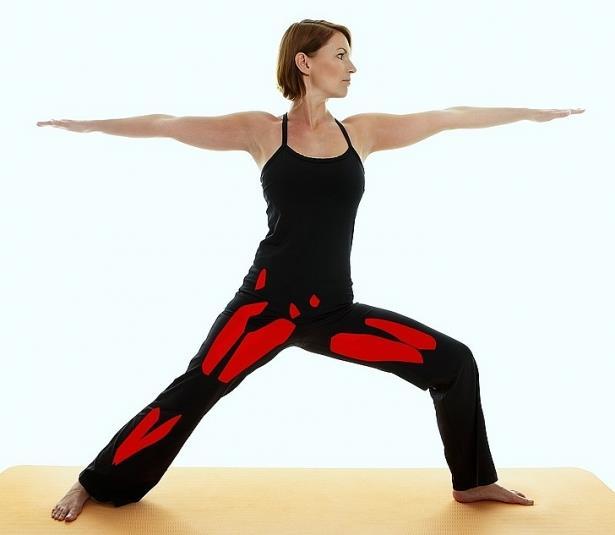 Neu ban muon thay doi co the, hay tap 15 bai tap yoga sau