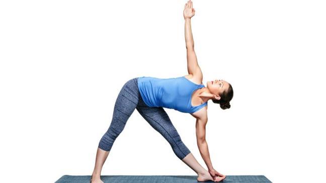 7 tu the yoga sieu de giup tang cuong mien dich mua dong