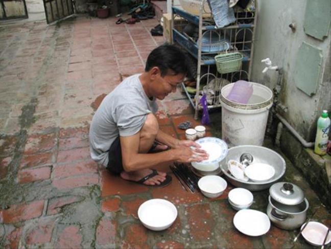 Khoa hoc chung minh- dan ong rua bat giup vo de thanh cong trong su nghiep hon
