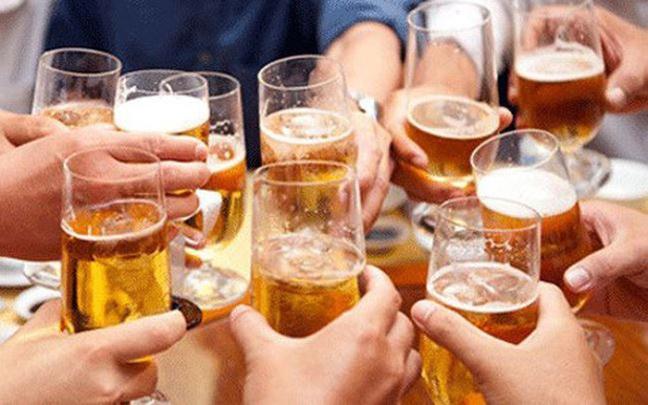 Ruou bia ngay Tet, xin dung qua da