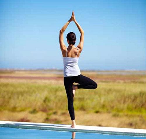 Nhung tu the yoga tang cuong he mien dich trong mua dich benh