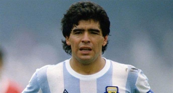 Huyen thoai bong da Maradona qua doi vi ngung tim: Trieu chung dac biet can luu y