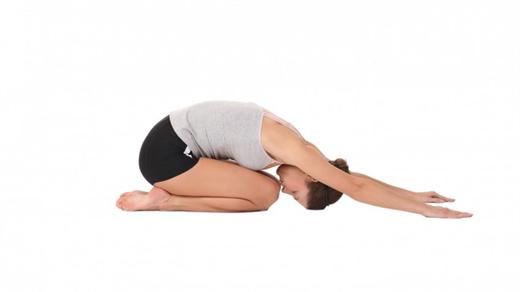 6 tu the yoga giup ban co duoc giac ngu thu thai vao ban dem