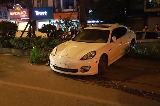Tai xe Porsche nghi bi dot quy khi dang lai xe, canh bao khi troi tro lanh dot ngot