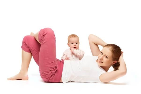 Xo bung sau sinh la gi, tai sao no xay ra khi mang thai?
