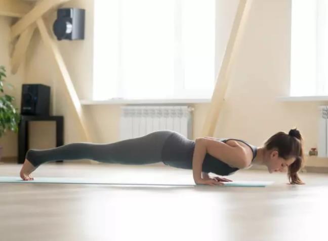 4 tu the yoga giup dot chay mo thua nhanh chong