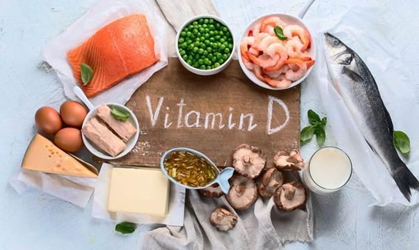 Thieu vitamin D co the khien benh nhan COVID-19 de gap bien chung nang