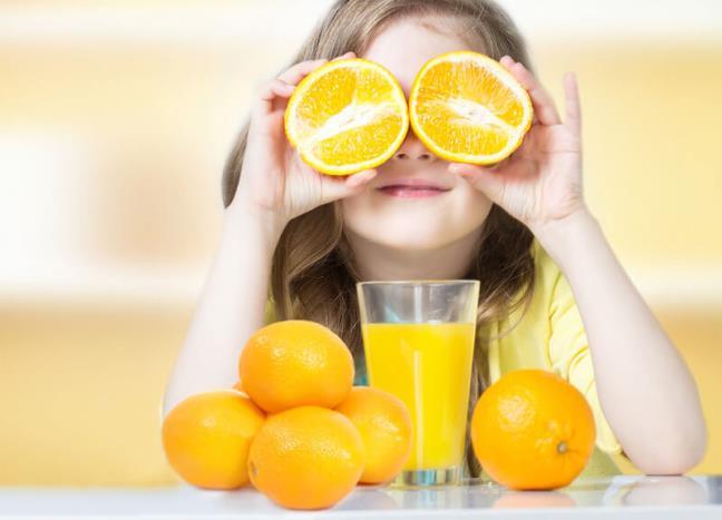 Canh bao tinh trang thieu hut vitamin C o tre em, cha me can dac biet luu y