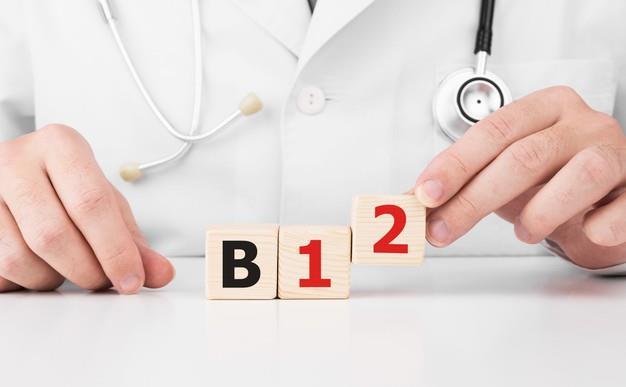 Kho tho, met moi va cac trieu chung cua thieu vitamin B12, cac thuc pham nen bo sung de giai quyet tinh trang nay