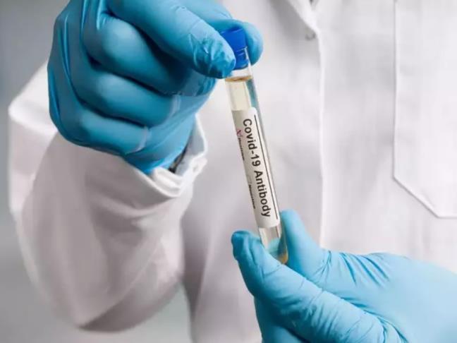 Nguoi da khoi COVID19 co nen tiem vaccine?
