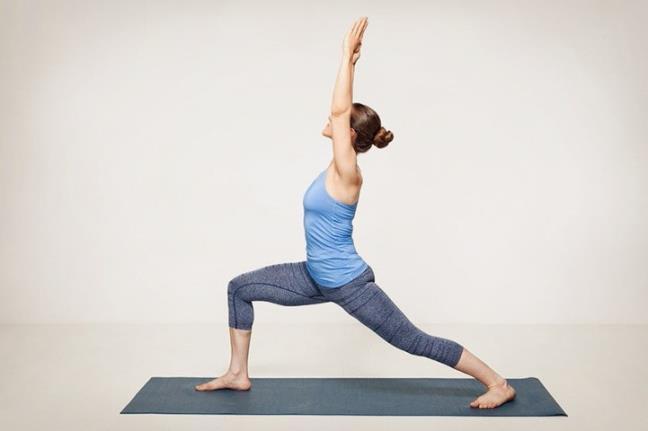 3 tu the yoga don gian nhung lai giup giam duoc nguy co dot quy