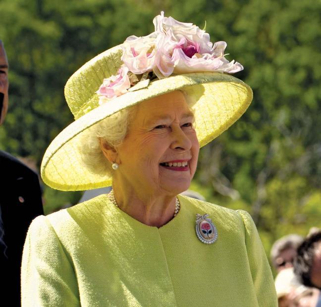 Bi mat dang sau cuoc song truong tho cua Nu hoang Elizabeth II