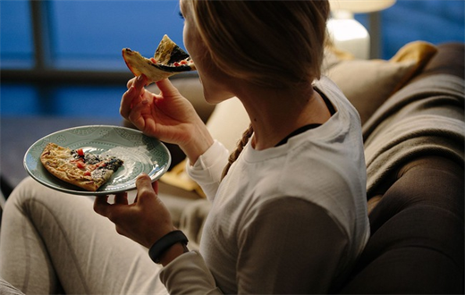 Thường xuyên ăn đêm, cơ thể có nguy cơ mắc các bệnh nguy hiểm